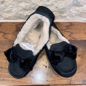 Ugg Slippers Black with Bow Size: 9